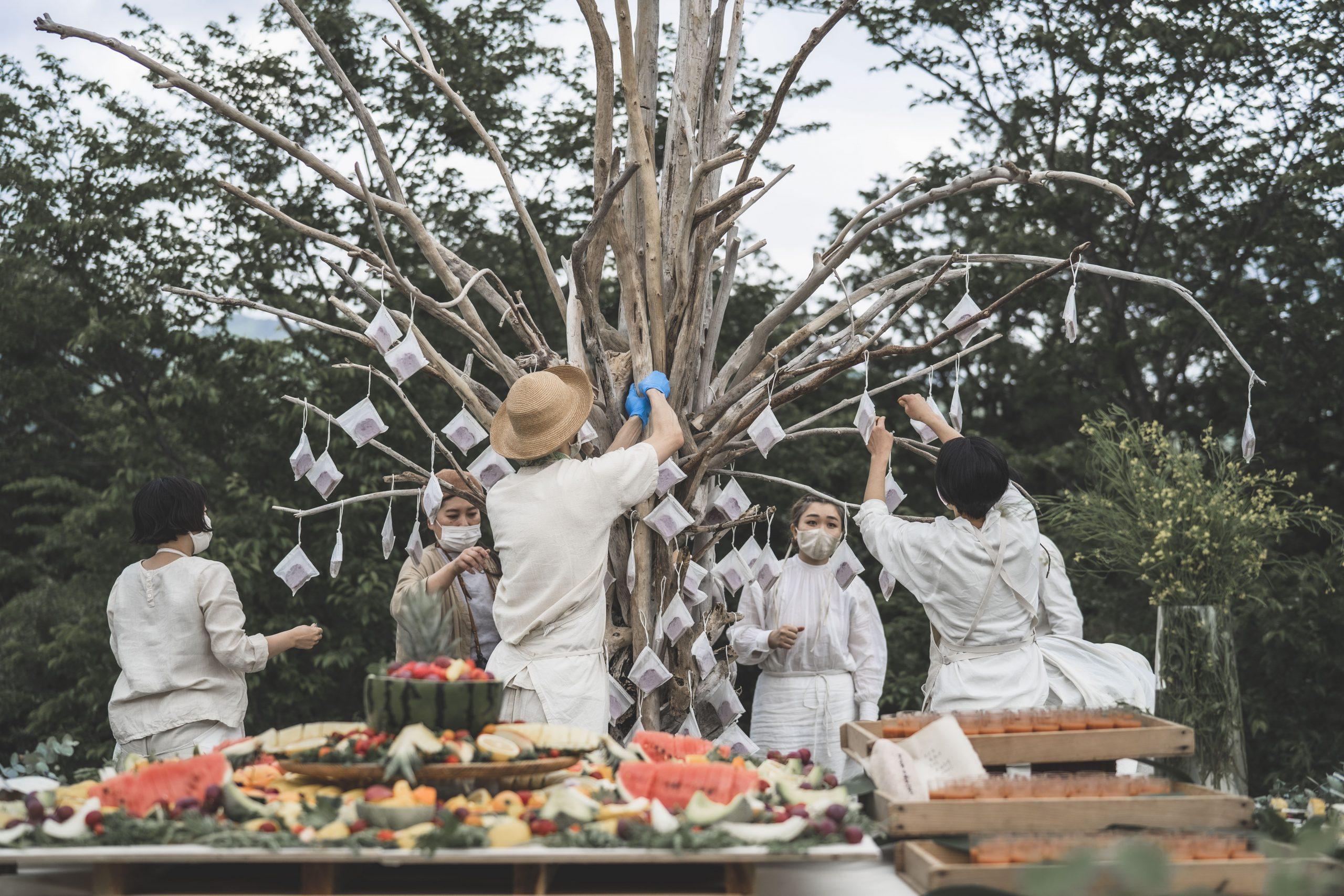 熊本土砂災害での流木で作られたシンボルツリー
