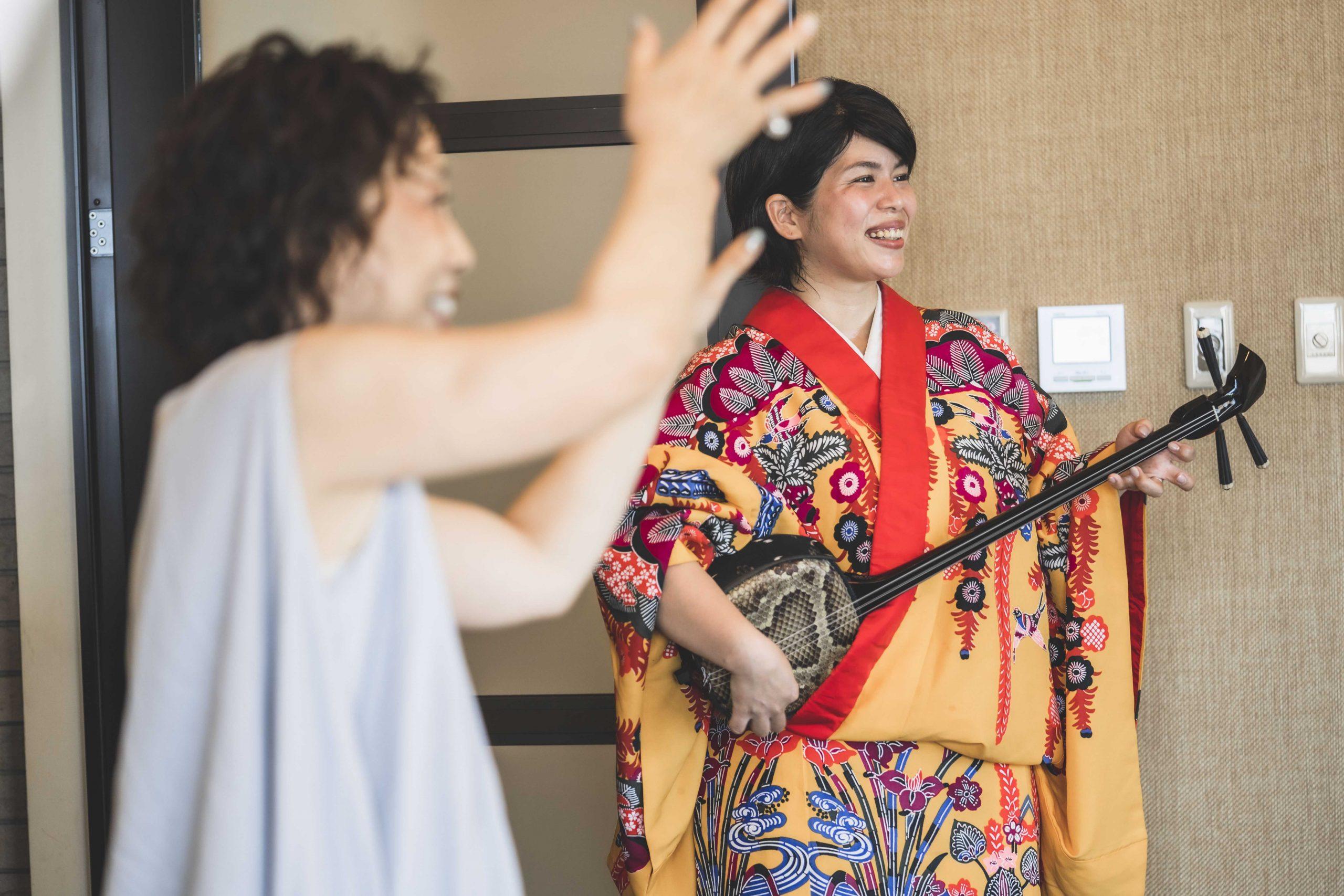 結婚式の締めは沖縄のカチャーシー
