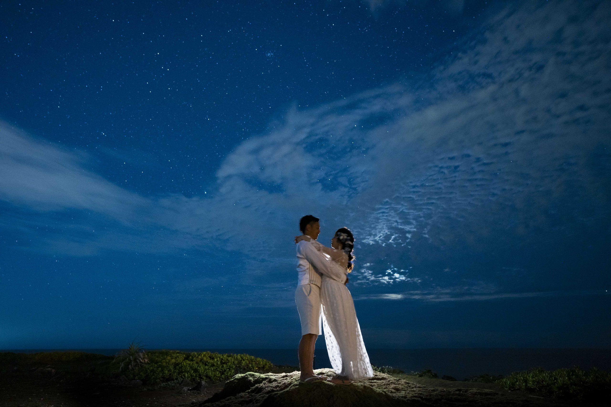 沖縄のビーチで星空撮影